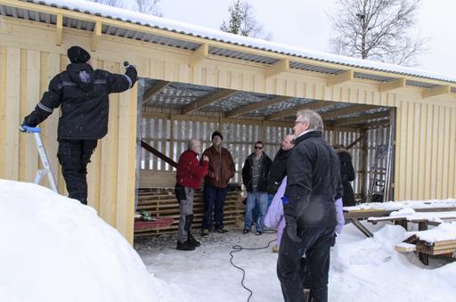 Deltagarna från Chansen genomförde även ett studiebesök vid IVK:s sågverksbygge i Arnäsvall. Foto © Anders Byström http://suzanders.se